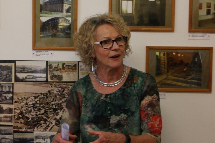 Ursula Klebert in der geschichtlichen Ausstellung im Schloss Leubnitz. Die Vereinsvorsitzende ist immer aktiv und sehr engagiert.