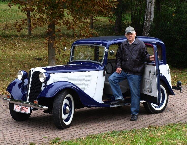 Werner Rudolph hält seinen BMW 315 gut in Schuss. Insgesamt 9765 Exemplare verließen vor dem Krieg die Montagehallen.
