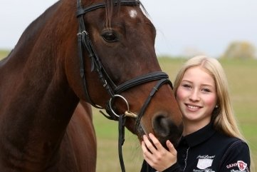 Johanna Glotz mit ihrem Erfolgspferd Contaeus.