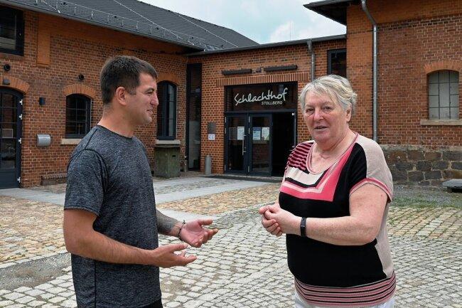 Marcel Becker, der Verantwortliche im Schlachthof, und Tafelleiterin Annerose Aurich arbeiten eng für das Projekt zusammen.