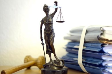 Die 7. Strafkammer des Landgerichtes Chemnitz unter Vorsitz von Richter Markus Zimmermann hat das Urteil gegen einen 50- und einen 56-Jährigen, beide im Erzgebirge beheimatet, aufgehoben.