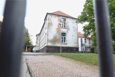 Das Plauener Asylbewerberheim an der Kasernenstraße. Zuletzt wurde dort mehrmals Feuer gelegt.