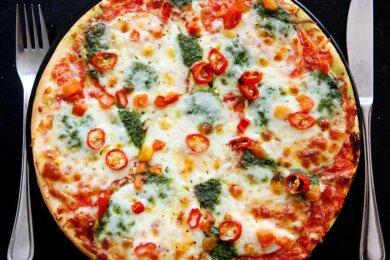 Der Verzehr von Pizza mit sogenannten Zauberpilzen hat Jugendliche ins Krankenhaus gebracht.
