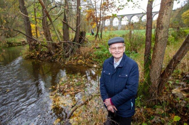 Bis in die 1950er-Jahre gab es nahe der Pirkmühle Gondelbetrieb. Eine breitere Stelle im Fluss und angestautes Wasser boten sich hierzu an.