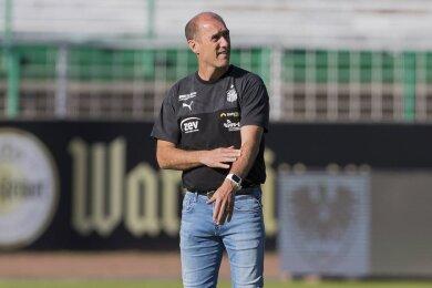 Joe Enochs, Trainer des FSV Zwickau, erlebte beim Gastspiel seiner Mannschaft in Münster einen Abend zum Vergessen.