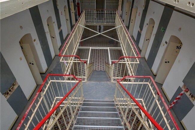 Chemnitz mit dem ehemaligen Kaßberg-Gefängnis wäre aus Sicht der SED-Opferbeauftragten Nancy Aris ein idealer Ort für die dauerhafte Aufbewahrung der Stasiakten in Sachsen.