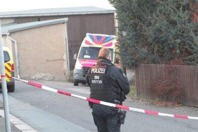 In Limbach-Oberfrohna ist am Samstag ein 41 Jahre alter Mann von einem 73-Jährigen erschossen worden.