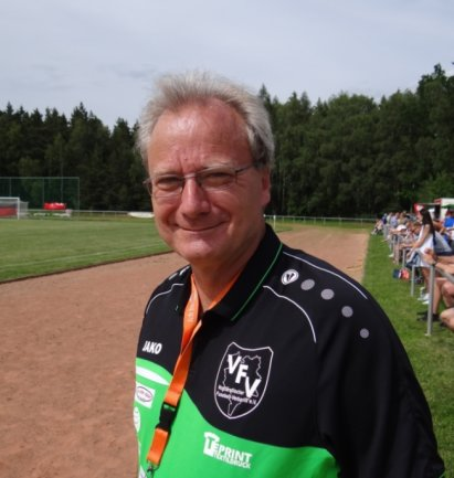 Noch weiß Andreas Wehner, der Präsident des Vogtländischen Fußball-Verbandes nicht, wann seine Teams endlich auf die Plätze zurückkehren dürfen. Für die neue Saison plant der Verband einige Neuerungen.