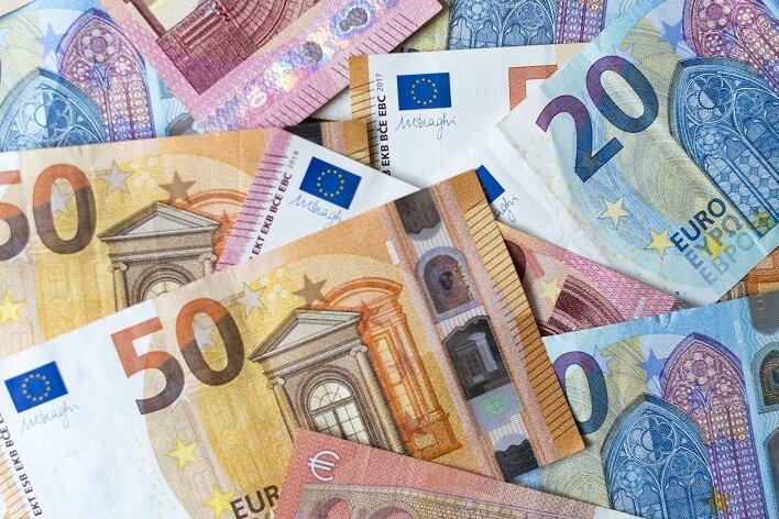 Falsche Bankmitarbeiter erbeuten Bargeld von Lößnitzer