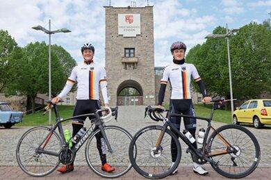 Im Mai hatten sich Laurin Drescher (links) und Nicolas Heinrich am Westsachsenstadion zu einer 150 Kilometer langen Trainingsfahrt auf den Straßenrädern verabredet. Nächste Woche treffen sie sich zur EM wieder.