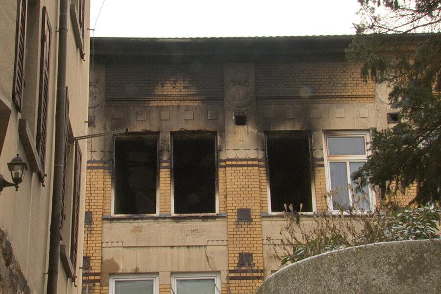 Spuren der Brandkatastrophe am Pflegeheim.