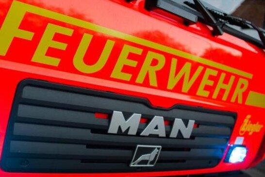 Polizei findet toten Mann in ausgebranntem Auto