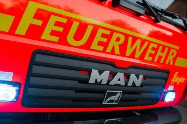 Feuerwehr rückt zu Brand in Plauener  Asylunterkunft aus