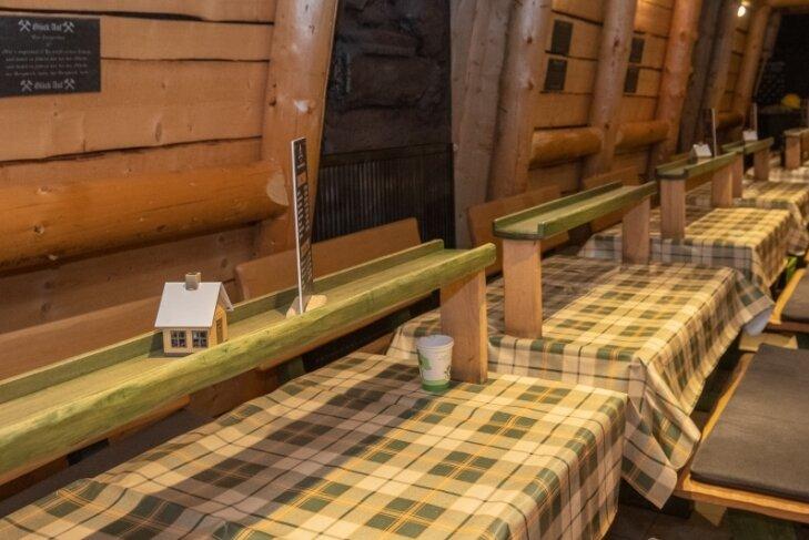 Leere im Räucherkerzenland: Seit November dürfen Gäste erneut nicht mehr zum Selbermachen von Räucherkerzen kommen. Doch außer Kurzarbeit gibt es keine finanziellen Hilfen.
