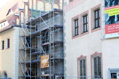 Im November soll die Außenfassade des Zwischenbaus verkleidet werden.