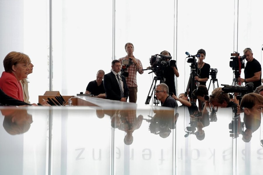 31. August 2015, Berlin: Bundeskanzlerin Angela Merkel (CDU) spricht auf ihrer turnusgemäßen Sommerpressekonferenz einen außerordentlichen Satz, der Geschichte schreiben sollte.