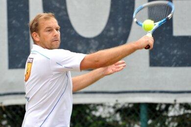 Erfolgreich aufgeschlagen: Die Tennis-Herren 30 des TV Brand-Erbisdorf 92 um Spitzenspieler Marcel Krause haben sich 2020 in der höchsten sächsischen Spielklasse etabliert.