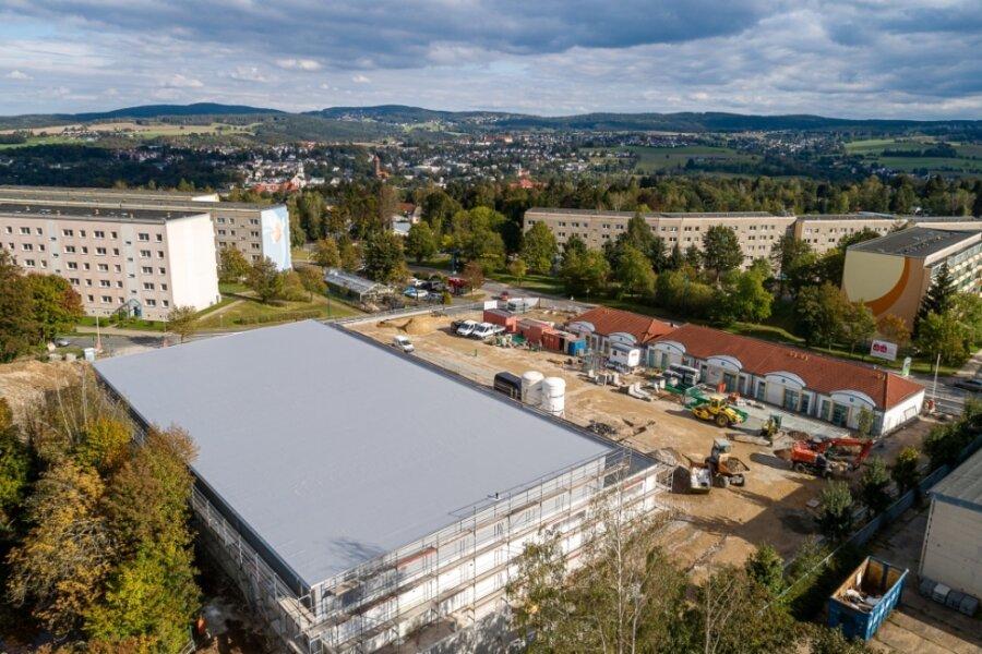 """Im Gebäude des neuen """"Markts am Feldschlösschen"""" (bisher Nahversorgungszentrum Am Bendelstein) läuft der Innenausbau. Die Eröffnung ist für 8. Dezember vorgesehen."""