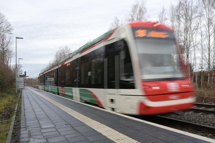 Busse und Trams im VMS fahren normal