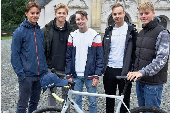 Wieder daheim (von links) Bertram Knoche, Oleg Hänig, Elias Werner, Erik Goßler und Manuel Walz.