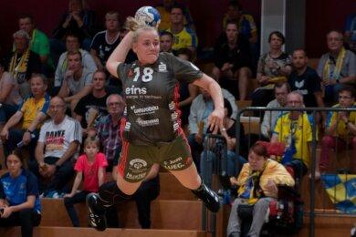 Nur zum Auftakt in Leipzig konnte Carlotta Fege bisher das BSV-Trikot tragen. Die im Sommer aus Dortmund gekommene Kreisläuferin steht nach einer langen Verletzungspause kurz vor ihrem Comeback.