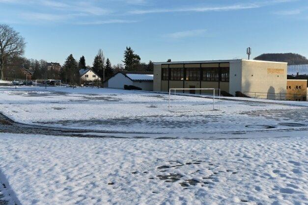 """In der zweiten Jahreshälfte soll möglichst die Umgestaltung der Kleinsportanlage am """"Weißen Lamm"""" in Hohndorf in Angriff genommen werden."""