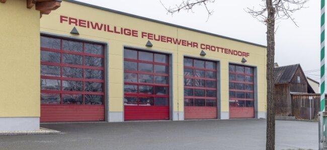 Der alte Einsatzleitwagen der Freiwilligen Feuerwehr Crottendorf hat ausgedient. Es wird ein gebrauchter Nachfolger angeschafft.