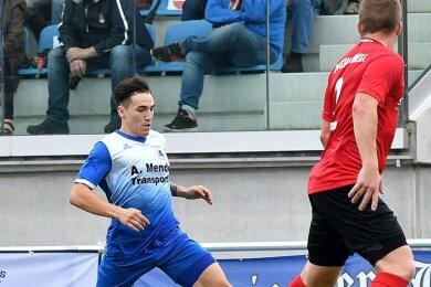 Der Mittweidaer Mittelfeldspieler Daniel Heinrich (l.) trifft am Wochenende sowohl auf seinen ehemaligen Jugendverein als auch auf einige ehemalige Mitspieler aus Hohenstein-Ernstthal.