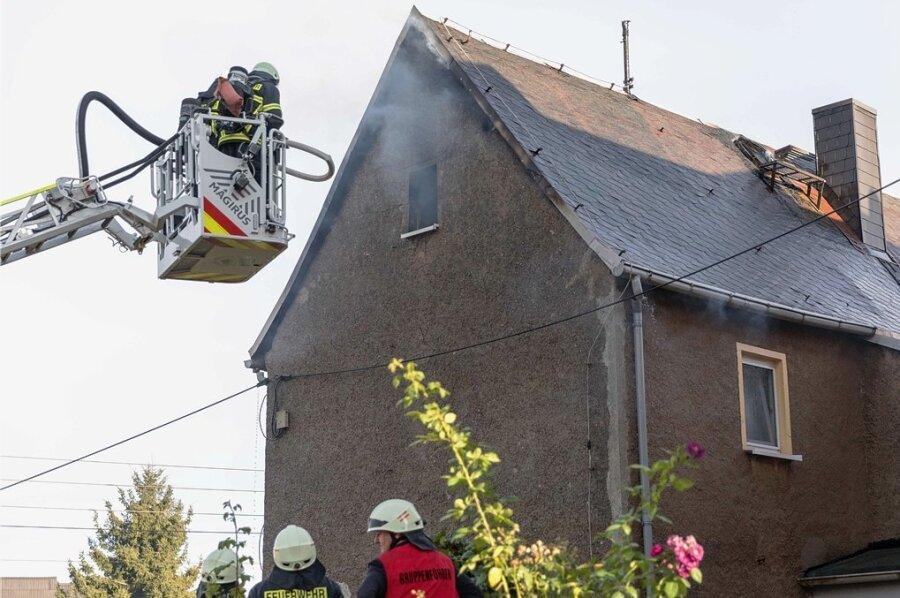 In Siebenlehn brannte am Sonntag ein Dachstuhl.