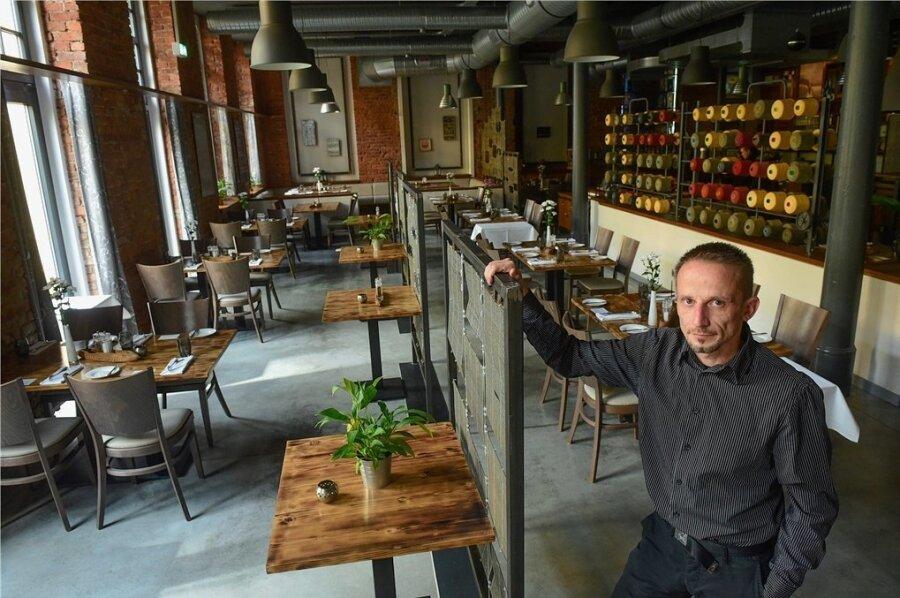 Ein Bild aus der zweiten Coronawelle im Herbst 2020. Damals durften Restaurants keine Gäste empfangen. Auch im Max Louis blieb es deswegen leer. Inhaber Markus Arnold hat nun ein Insolvenzverfahren für sein Unternehmen angemeldet. Das Max Louis hat deswegen zu.