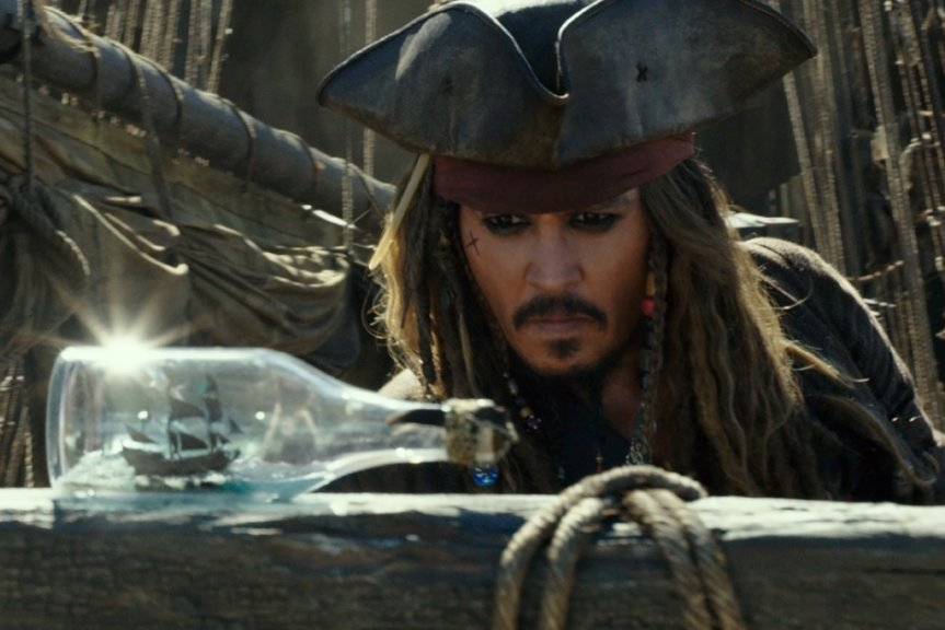 "Johnny Depp als Jack Sparrow in einer Szene des Films ""Pirates of the Caribbean 5: Salazars Rache"", der am Samstag, 19.30 Uhr im Park der Generationen zu sehen sein wird."