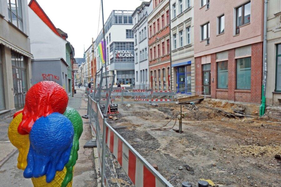 Die Zwickauer Marienstraße - bisher ein Sorgenkind in der Innenstadt - wird derzeit in einem ersten Teilabschnitt komplett neu gestaltet.