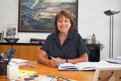 Zwickaus Oberbürgermeisterin Pia Findeiß, die noch bis Freitag Urlaub hat, befindet sich derzeit in häuslicher Quarantäne.