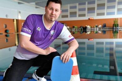 Philipp Epperlein, sportlicher Leiter der Abteilung Schwimmen des FC Erzgebirge Aue, hofft wie alle Schwimmsportverantwortlichen, dass die Hallen bald nicht mehr leer bleiben, sondern wieder öffnen dürfen.