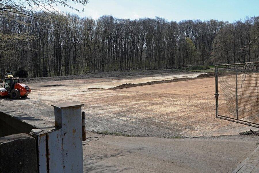 Durch die Nähe zum Park darf nicht der gesamte ehemalige Sportplatz mit Eigenheimen bebaut werden.