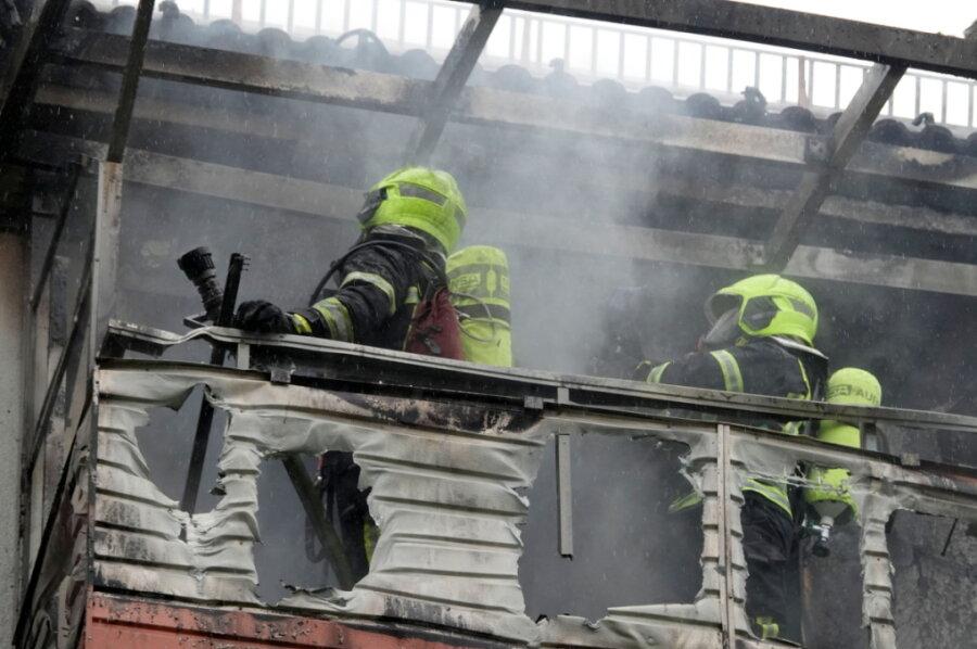 Brand in Chemnitz: Drei Menschen in Klinik eingeliefert