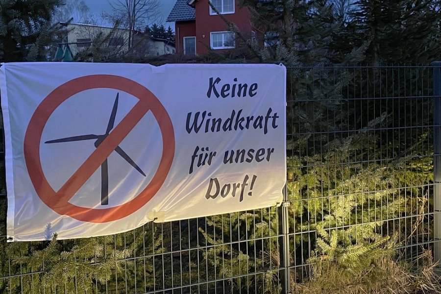 Anwohner in Görbersdorf protestieren schon seit Monaten gegen die geplanten Windräder in der Umgebung ihres Ortsteils.