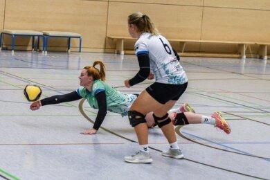Anna-Maria Nitsche gab in dieser Szene alles, um den Ball noch zu erwischen. Mit einer starken Aufschlagserie brachte sie den CVV in einem spannenden Spiel auf die Siegerstraße.