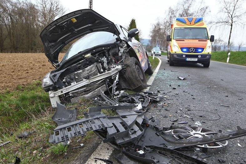 Eine Verletzte bei Unfall nahe Lobsdorf