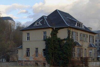 """Die Kommandantenvilla in Sachsenburg. Auf dem Areal wird """"Zustand und Gelände"""" am Samstag gezeigt."""