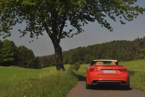 Offen für Neues: Manche Straßen durch die Fränkische Schweiz scheinen nur fürs Cabriofahren gebaut worden zu sein.