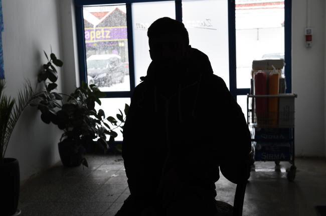 Dieser Mann sagte, er sei von Unbekannten entführt und bedroht worden.