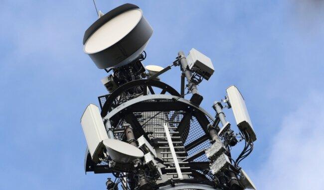 Ein Vodafone-Sendemast für den kommenden Mobilfunk-Standard 5G für Telefonie und Internet. Das Unternehmen hat im Mai in Chemnitz die 3G-Ära beendet - nach eigenen Angaben ohne größere Kundenreaktion.