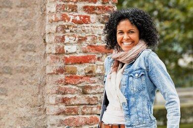 Buchautorin Karima Stockmann hat erlebt, wie Freude und Trauer Hand in Hand gehen können.
