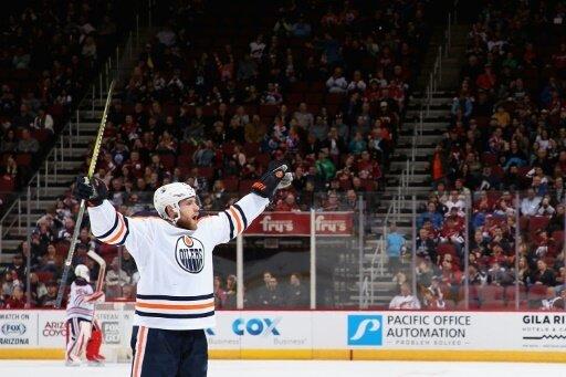 Leon Draisaitl und die Edmonton Oilers feiern einen Sieg