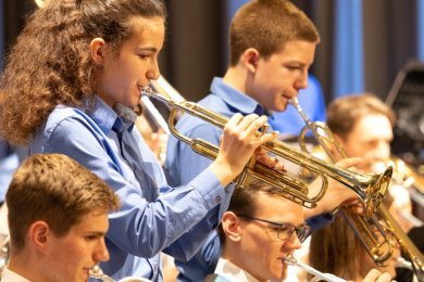 """Mitte Oktober des vergangenen Jahres haben die Musikerinnen und Musiker des Jugendblasorchesters Thum zum vorerst letzten Mal gemeinsam musiziert. Der Verein will das neu aufgelegte Förderprogramm """"Impuls"""" vor allem für den Neustart bei der Bläserjugend nutzen."""