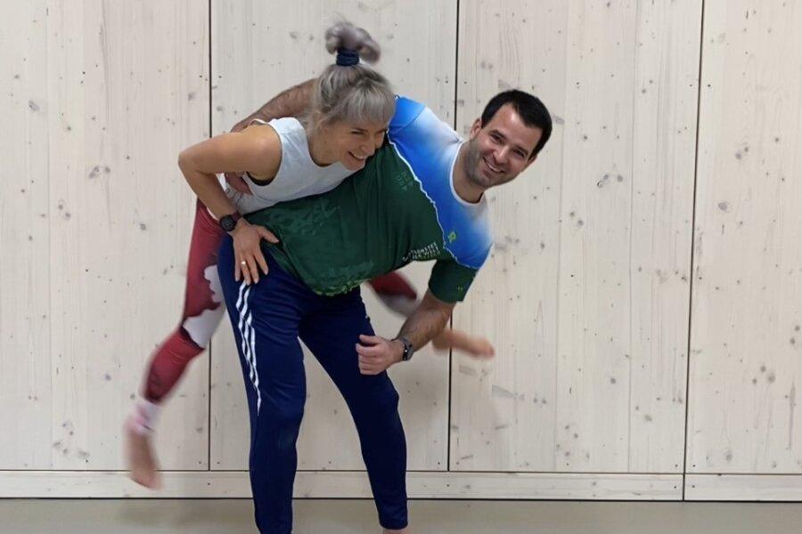 Luise und Paul Ogorsolka entwickelten einen Sportkanal für Kinder und senden diesen auf Youtube.