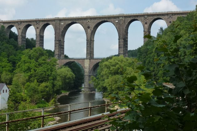 Gegenstände von Göhrener Viadukt geworfen - Zeugen gesucht