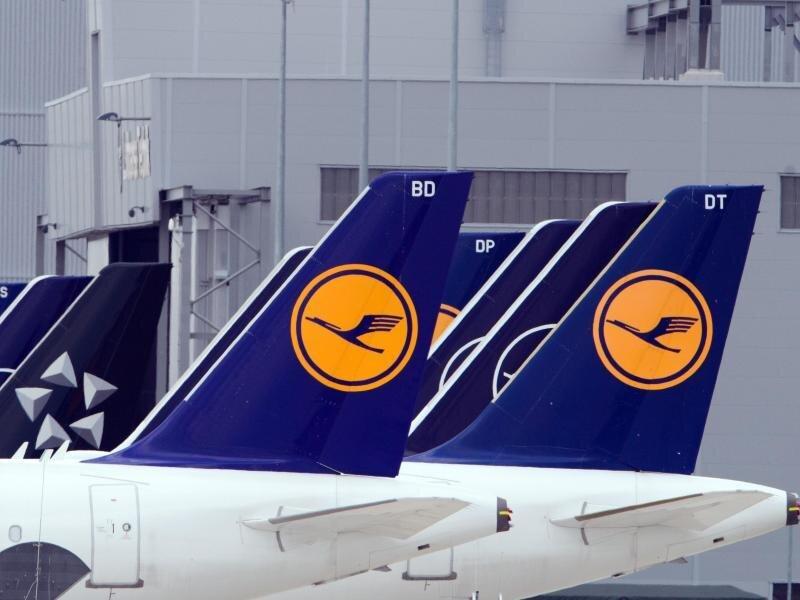 Neben den bereits angekündigten 22.000 Stellen stehen bei der Lufthansa weitere 3000 Jobs zur Disposition.