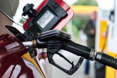 Zapfen ohne zu zahlen? Bei Zwickaus Tankstellenpächtern sollte man sich das besser dreimal überlegen.